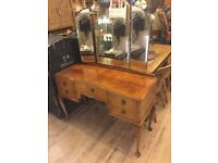 Vintage Logan's furniture kidney style bedroom dresser