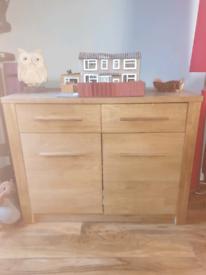 Oak sideboard - in good condition