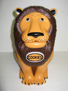 TALKING LION COOKIE JAR ~ SAY'S HANDS OFF MY COOKIE JAR   ROARS