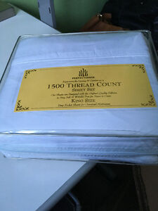 BRAND NEW IN PACKAGE White King Size Sheets - 1500 Thread