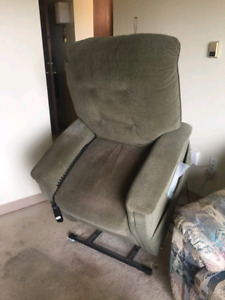 Pride power lift chair