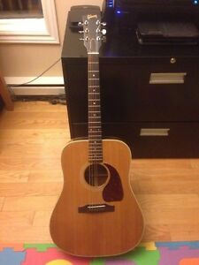 1985 Gibson J-30- excellent consition