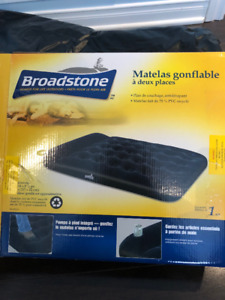 Matelas gonflable.