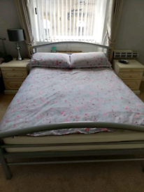 Double metal bed in excellent condition with mattress