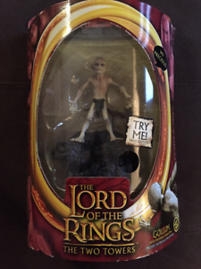LORD of the RINGS Two Towers - Talking GOLLUM Figure (New)
