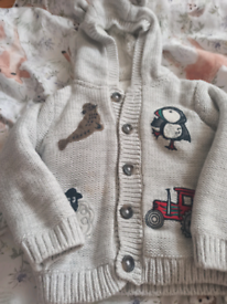 Boy's fluffy lined Grey jacket agë 12 to 18 months