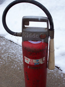 Big Kiddy Dry Cemical Fire Exsting. London Ontario image 1