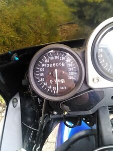 SUZUKI GSXR1100 1995 WITH V&H FULL EXHAUST AND RACING TIRES Windsor Region Ontario image 10