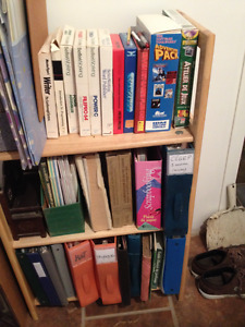 Deux bibliothèques en pin pliantes
