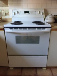Cuisinière électrique et Réfrigérateur côte à côte - KitchenAid