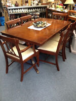 1950's MOHAGANY DINING ROOM TABLE KNECHTEL FURNITURE MISSISSAUGA