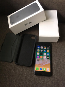 iphone 7 32gb unlocked like new / price firm