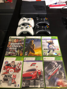XBOX 360 + 6 jeux/games + 4 manettes/controllers + fils/wires