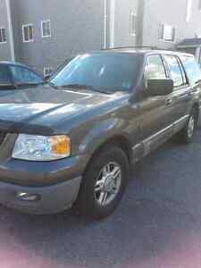 2003 Ford Expedition SUV, Crossover 4x4