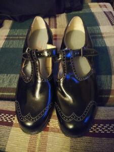 Size 8 P.W. Minor Orthopedic Shoes
