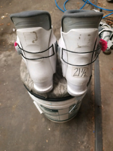 21.5 or size 3 kids ski boots
