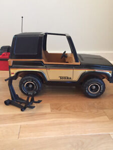 Tonka Jeep with accessories