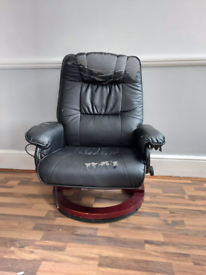 Reclining cosy chair