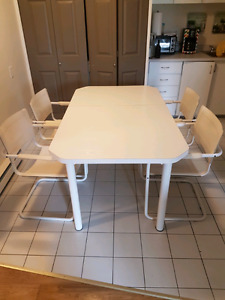 Table a manger a vendre !