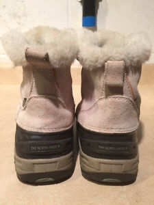 Girls The North Face Waterproof Winter Boots Size 4 London Ontario image 3