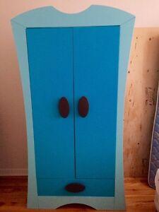 Une belle armoire