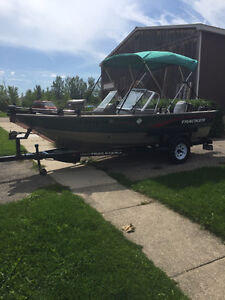 Beautiful Boat FOR SALE with lots of EXTRAS!!