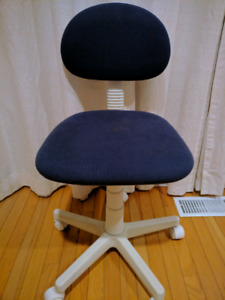 Chair with rollers