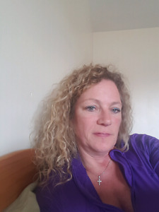Professional woman looking for rental in charlottetown