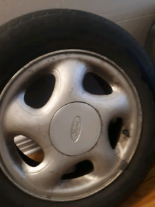 2 rims ford