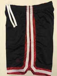 Shorts Sports Coliseum Athletics 5$ Chacun.