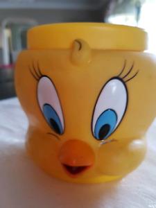 1992 Looney Tunes Tweety Bird Mug