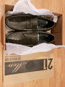 Forever 21 men's shoes - size 10 - Brand new