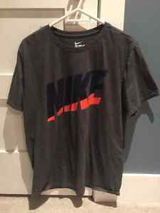 NIKE T-SHIRT (mens large) $25