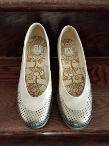 Fly London perforated shoes, size 6 excellent condition