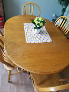 Dining room table with 6 chairs $150
