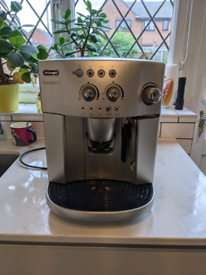 Delonghi ESAM4200 Bean to Cup Coffee machine