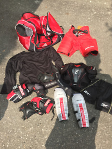 Youth Large Full Set Bauer Hockey Gear