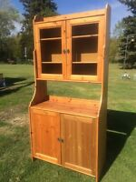 Solid pine hutch / China cabinet