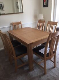 Stunning Dining Table with 6 Chairs - Like New