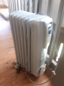 3 heaters for sale 20 each