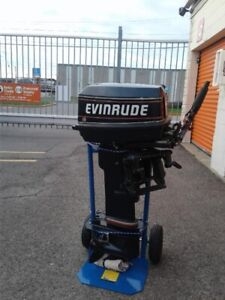***EVINRUDE 30HP OUTBOARD 2 STROKE ELECTRIC START RUNS GREAT***