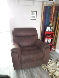 Selling my couch set