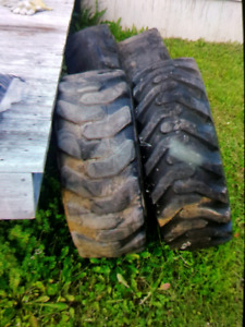 Tires for Thomas loader