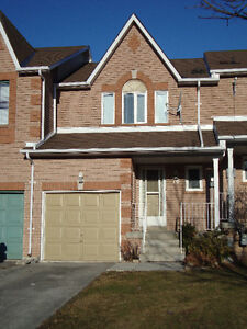 Gorgeous and Superclean 3 Bedroom Townhome - Southwest Barrie