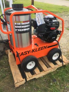 3.5 GPM @ 4,000 PSI gas hot water pressure washer