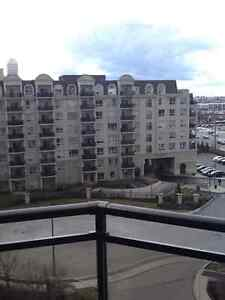 BRIGHT AND SPACIOUS 2 BED/2BATH UNIT AT STEELES AND DUFFERIN