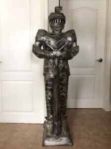 SOLD - DECORATIVE LIFE SIZE MEDIEVAL SUIT OF ARMOUR STATUE