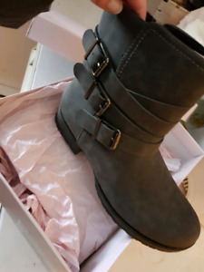 Booties size 8 slim fit  BRAND NEW