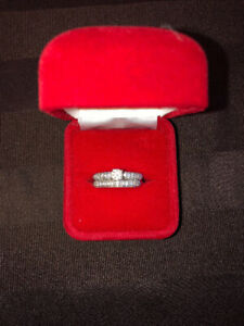 Beautiful White Gold Diamond Ring for sale
