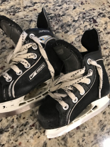 Bauer Youth Size 9 Hockey Skates